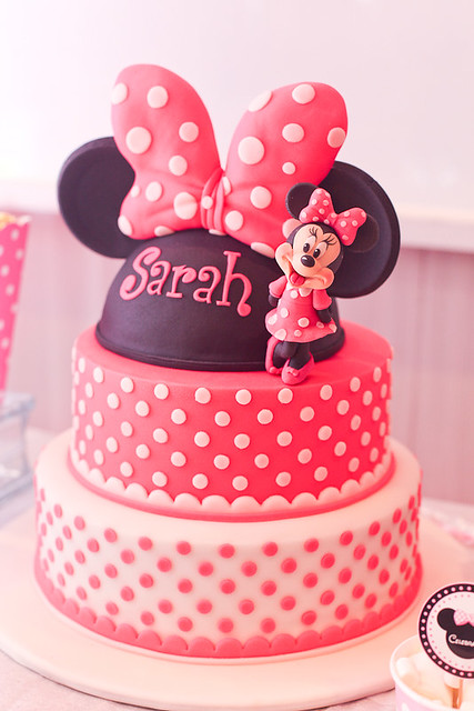 Minnie Mouse Cakes With Smash Cake