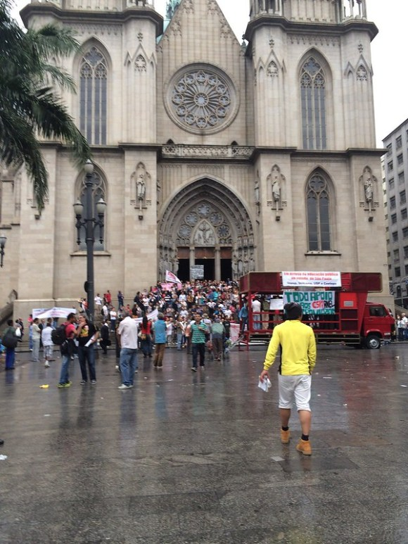 サンパウロでデモ