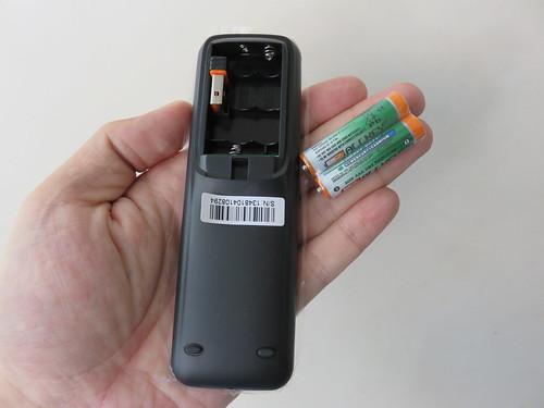 รีโมทคอนโทรลของ Leotech Smart Box X2 Slim เป็นแบบใช้คลื่นวิทยุด้วย