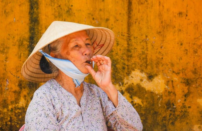 lokal kvinde i Hoi An