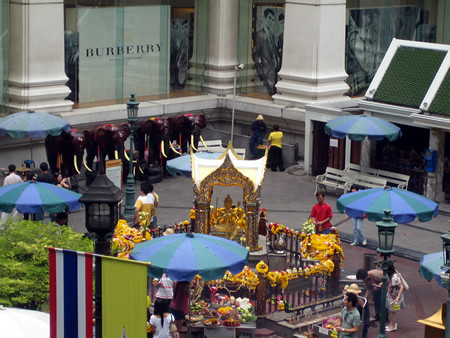 Grand_Hyatt_Erawan_Bangkok_Erawan_Shrine_1 by you.