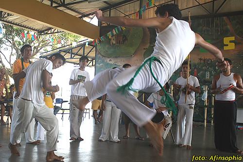 Capoeira Oxalá 10 por você.