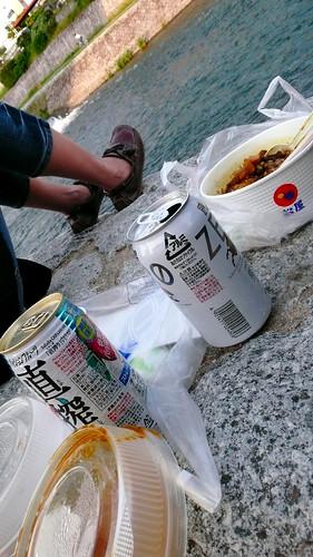 鴨川旁野餐