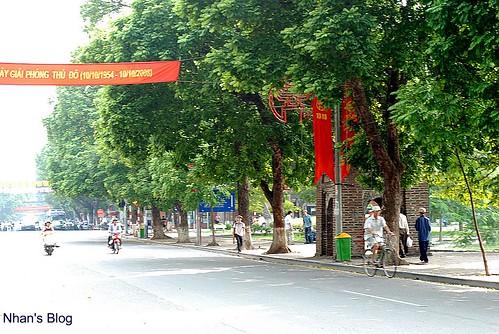 Tháp Hoà Phong đường Đinh Tiên Hoàng