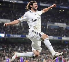 Real Madrid 4 - 3 Malaga Highlights