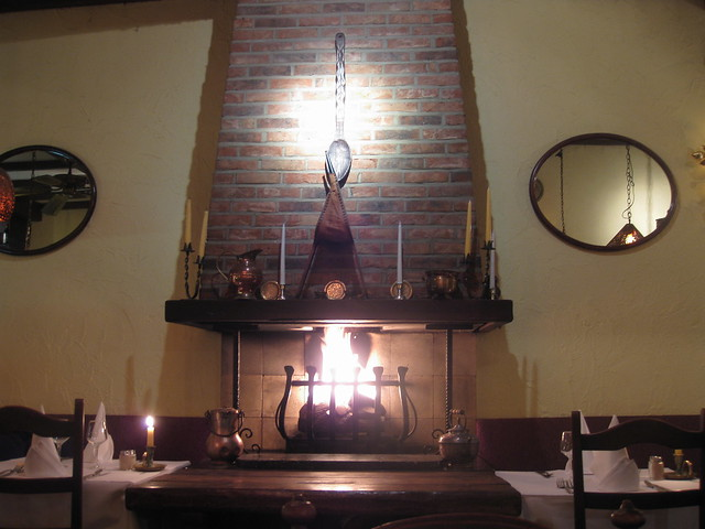 Artificial fireplace, for artificial food...
