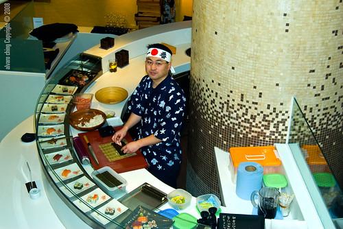 El Chef de la sección donde se realizan los diferentes platos de japón