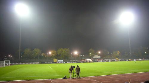 Südstadion unter Flutlicht