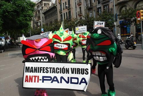 Manifestación de virus anti Panda, en Barcelona