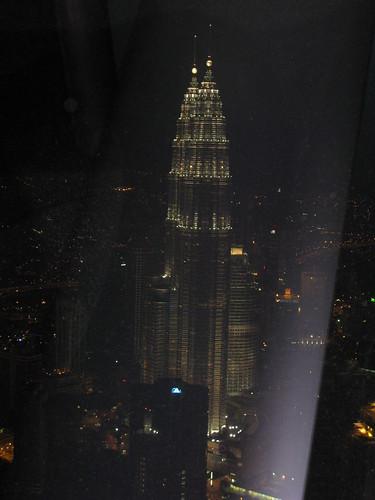 KL Tower上照的雙子星夜景
