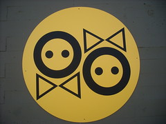 Male/Female bathroom icons