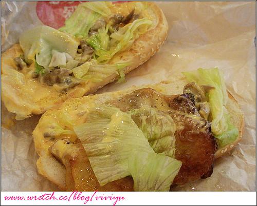 [美食.台灣]KFC~磨菇起司烤腿堡(季節限定) @VIVIYU小世界