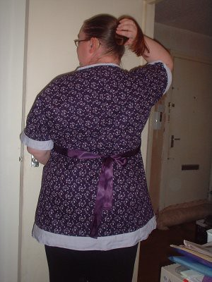 rear view - the orignal top called for an elasticated gather beneath the bust. I didnt like the sound of that, so put the ribbons in at the side, looped round the front and tied at the back, which i think looks lovely.