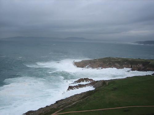 Waves crashing from Torre de Hercules