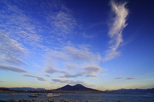 Cielo y volcán