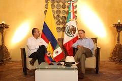 """""""Desayuno privado de Trabajo que ofrece el Excmo. Señor Álvaro Uribe Vélez"""" """"Presidente de la República de Colombia (01-08-08)"""" di Gobierno Federal"""