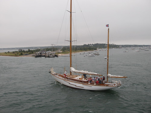 Sailing a boat at Marthas Vineyard