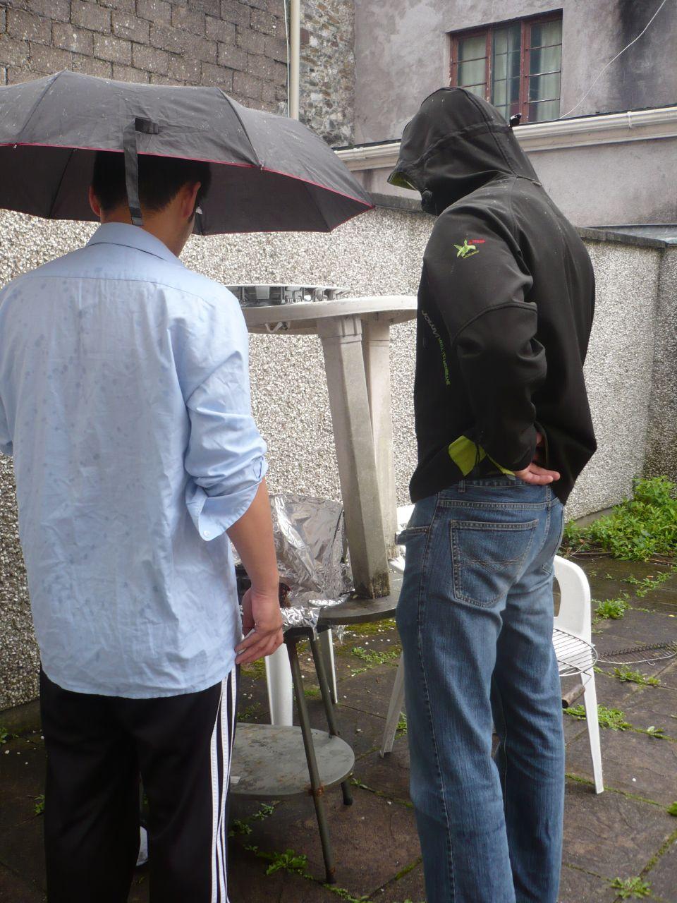 mi primera barbacoa lloviendo