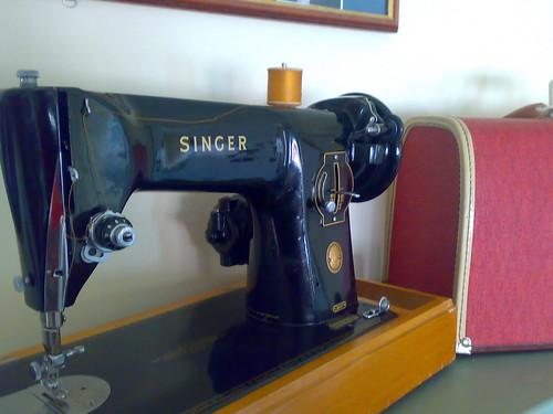 Vintage Singer 201K
