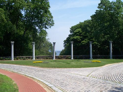 Columns Between Mansion and Planetarium