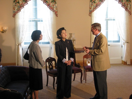 Director Frank Milligan discusses Lincoln's time at the Cottage with First Lady Kim Yun-ok.