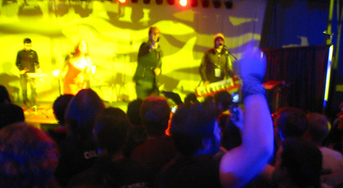 20081010 - Freezepop @ AnimeUSA - 169-6960 - playing, audience - yellow - please click through to leave a comment on FlickR