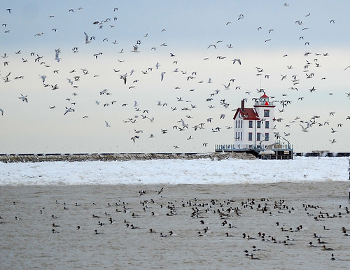 Lorain lighthouse - foto: ronnie44052, flickr