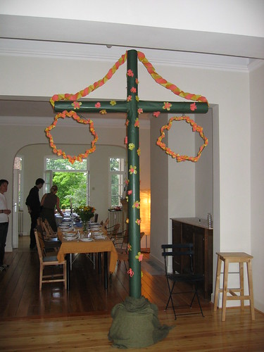 The non-organic may pole, Midsummer's Eve 2006