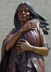 Statue of Sacajawea and Pomp