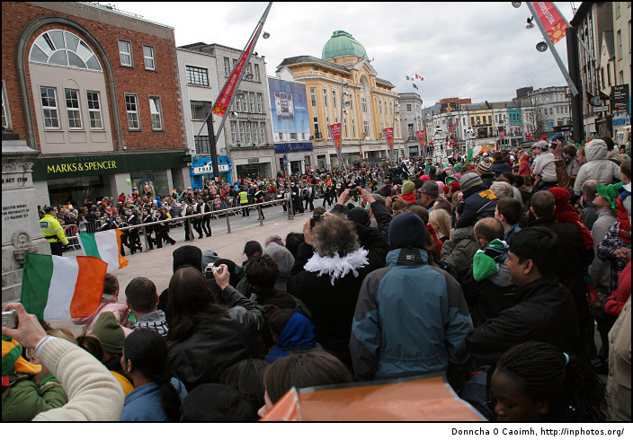 Crowds on St. Patrick's Day 2008 in Cork