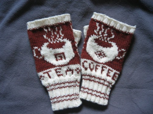 081202 - coffee mitts01