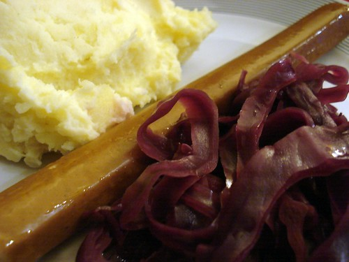 Red cabbage and mashed potatoes