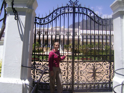 Lexi in front of the South African White House.