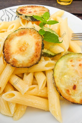 Penne aux courgettes frites / Penne with Fried Zucchini