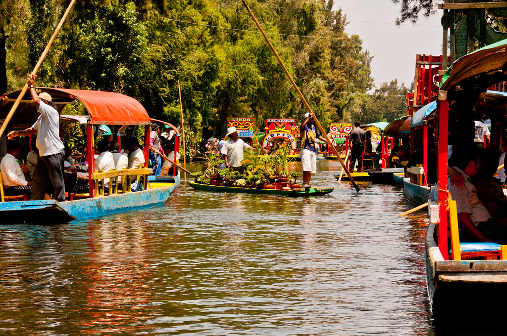 Sunday lunchtime on the canals of Xochimilco