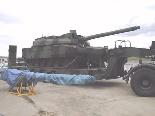 AMX+Leclerc+tank+on+Lohr+semi-trailer