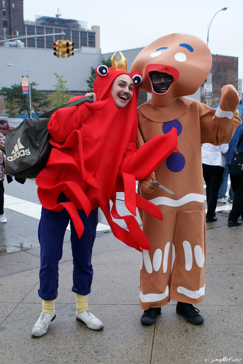 Creepy gingerbreadman set to make little children cry