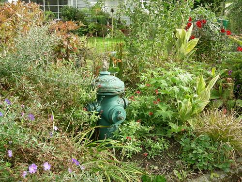 Hiding hydrant