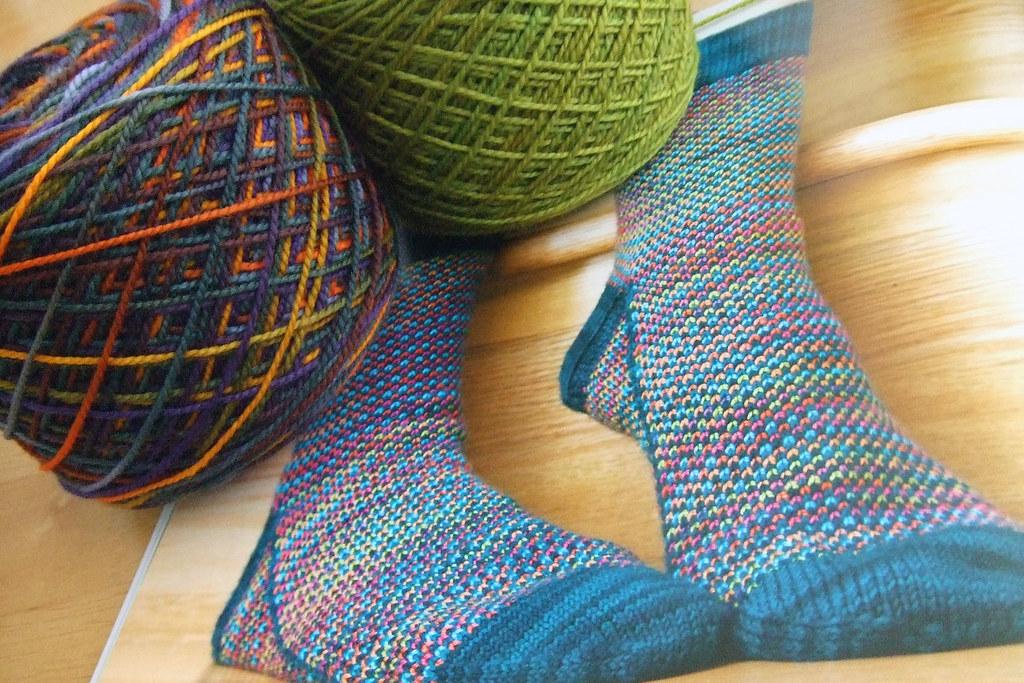090202_parrot spot socks