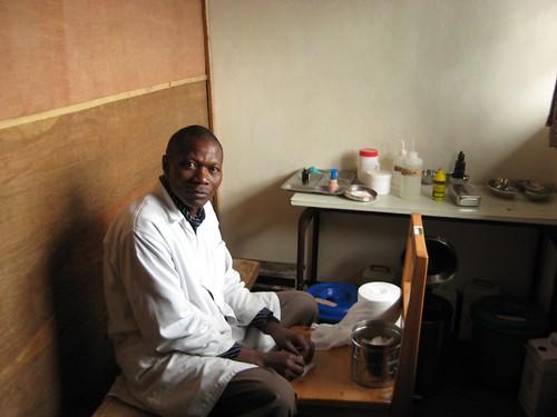 wound dressing room, Emmanuel Mpabwanimana