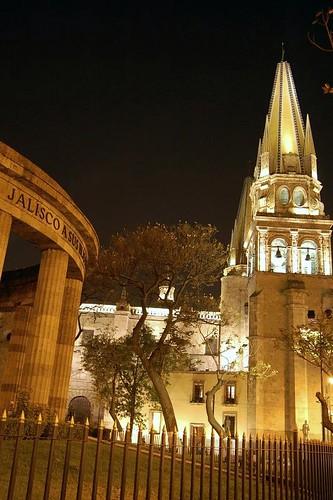 Catedral y Rotonda de los Hombres Ilustres