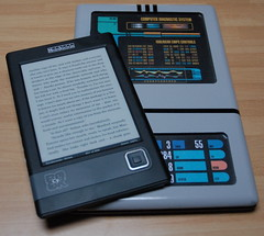 Cybook di Bookeen e un PADD di Star Trek / Bookeen Cybook and a Star Trek PADD