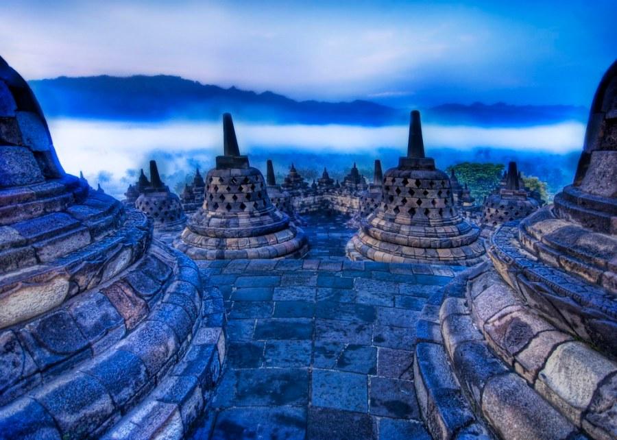 The Buddhist Rolling Morning Mist