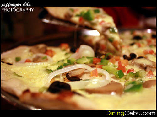 Da Vinci's Pizza Restaurant in Cebu Philippines - Very Vegetarian