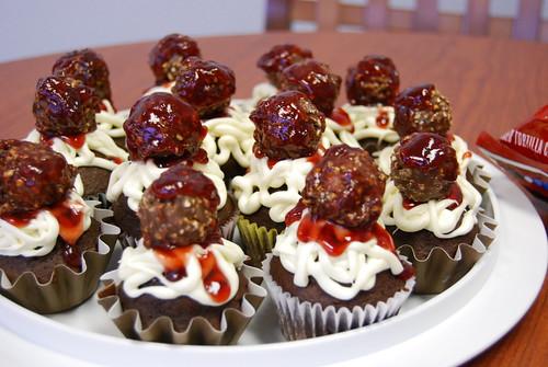 Spaghetti and meatballs cupcakes
