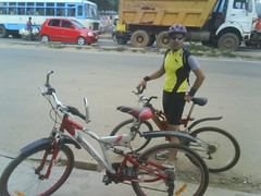Cycling down Kanakapura road
