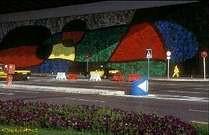 Joan Miró. Mural del aeropuerto de Barcelona, realizado en colaboración con J. Llorens Artigas. 1970.