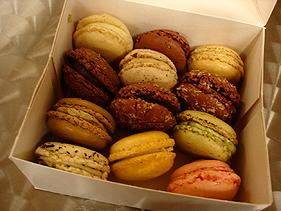 paris_macarons1