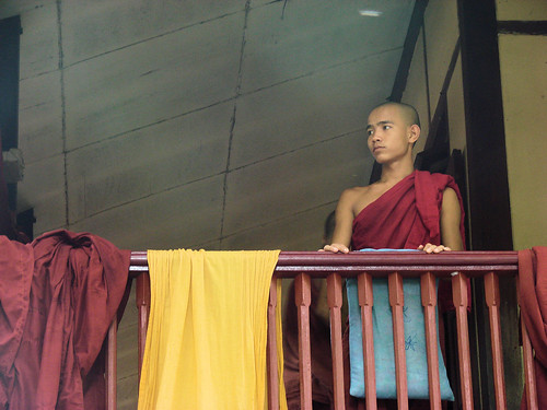 Monje en el monasterio de Monasterio de Maha Ganayon.