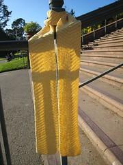 Scarf_2008_11_28_YellowWhiteChevron2